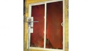 クレトイシ、樹脂サッシ掃き出し窓が防火性能評価試験に合格