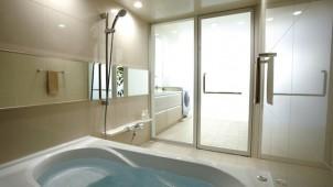 タイルパネルの組み合わせで個性的な浴室空間を実現 LIXIL