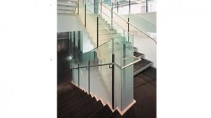 住友3M、屋外のガラスに張れる装飾フィルムを発売