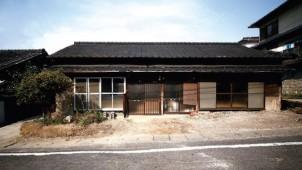 北九州で長屋住宅をリノベして店舗施設に。設計事務所x不動産業者が空き家解消の取り組み