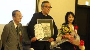 第1回吉田桂二賞に神家昭雄建築研究室「カイヅカイブキのある家」