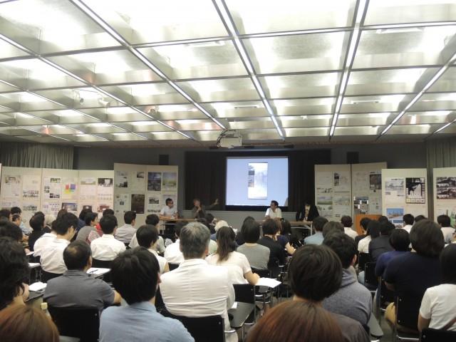 公開審査会の様子。一般来場者が多く関心の高さがうかがえた