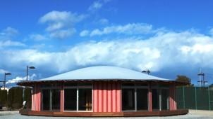 相馬市の子どもたちに屋内型の遊び場建設、YKK APらが協力