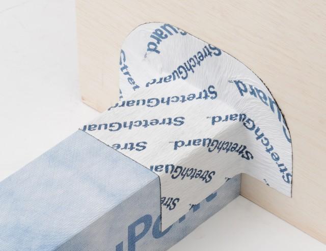 伸張率2倍の防水テープ「ストレッチガード」。バルコニー直交部の施工イメージ。