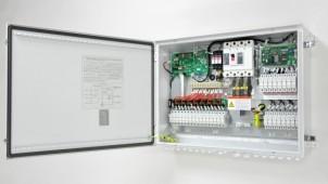 塩害地域にも対応する太陽光発電用の接続箱
