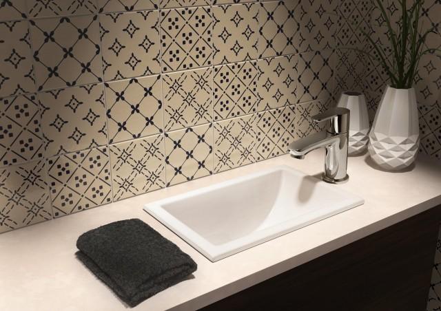 奥行300〜350のカウンターに治まるコンパクトサイズで、トイレの手洗いに適する「JPK10400」3万5000円。