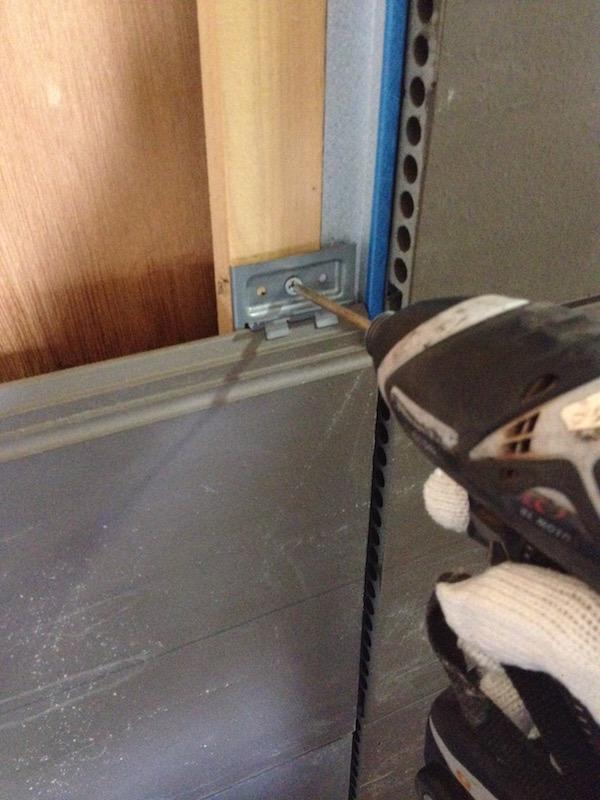 金具での留め付けが可能なため、施工性は窯業系サイディングと同等。