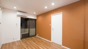 「Renotta」に伝統色を取り入れた部屋が登場 琥珀色でエネルギッシュに