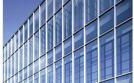 LIXIL、ビルサッシ施工協力会社と職業訓練校を共同設立