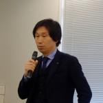 透湿ルーフィング協会会長として挨拶に立つ杉田賢造氏(セーレン ハウジング資材販売部部長)