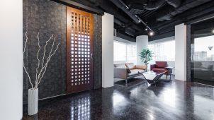 神谷コーポレーション、和モダンな格子ドアを発売