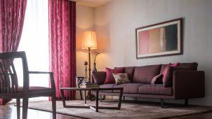 カリモク家具と川島織物セルコン、トータルインテリア提案を開始
