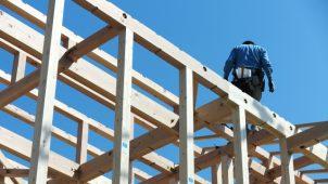 残業時間ランキング、多い順トップ10に建設系3職種がランクイン