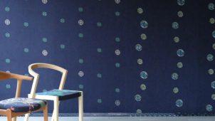 デニム生地と京友禅染めを融合した「壁紙」を製品化