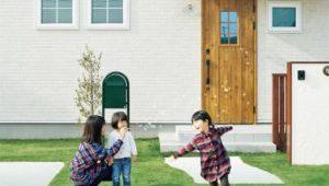 塗膜の変色・褪色30年保証に対応する外壁材
