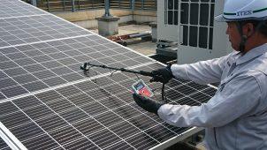 住宅・小規模太陽光発電に特化したソーラーパネル測定器を発売