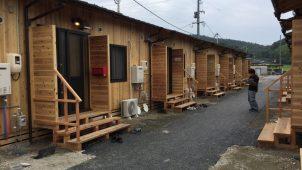 西日本豪雨後の仮設住宅57戸、工務店が建設体験を報告