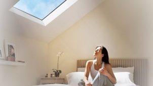 天窓を再現した青空照明システムを発売