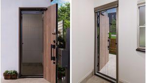 三協アルミ、既存ドアに1時間で設置できる出入り口用網戸