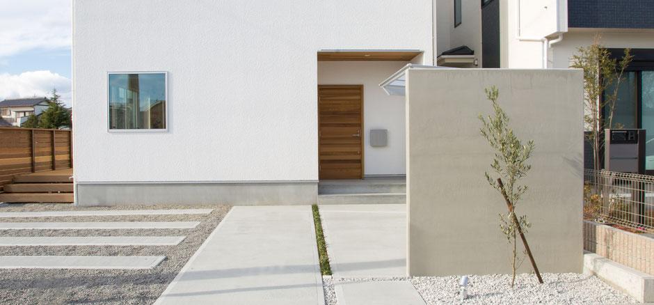 静岡のグリーンホーム、自由に使える外構用仕切り