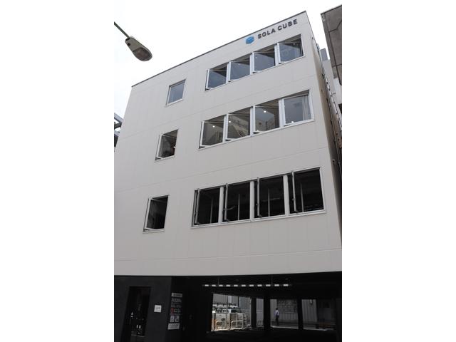 コスモスイニシア、資産活用で駐車場の上に建物
