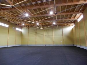 スパン22mの木造倉庫が完成 機能・コスト・環境性能などアピール