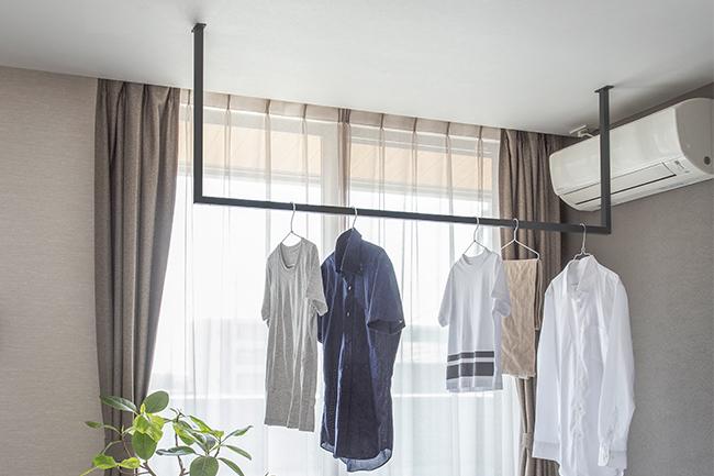 森田アルミ、シンプルな天井付け物干しを発売
