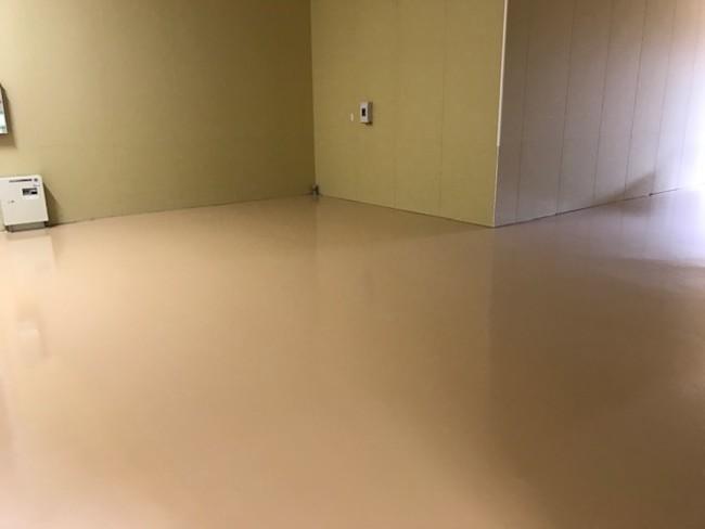 エービーシー商会、薄膜型水性エポキシ樹脂系塗り床材を発売