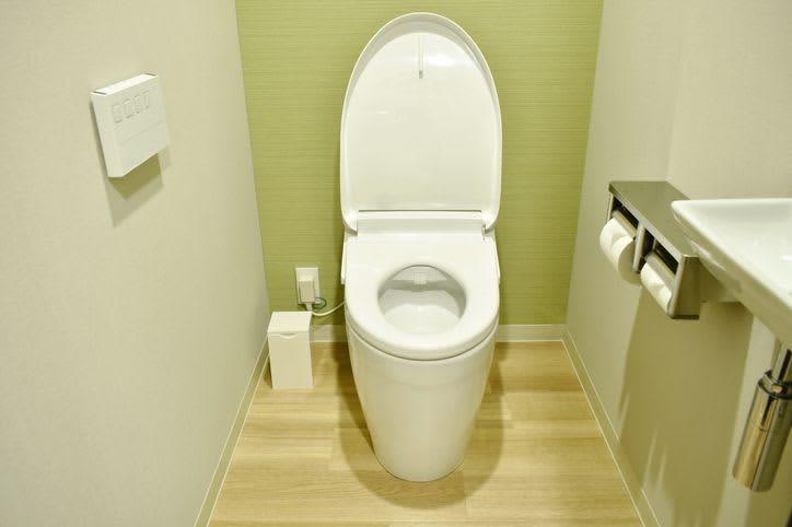トイレをアクセントクロスでこだわり空間に変身!コツと事例を大紹介