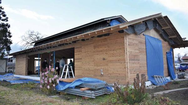 厚さ300mm超、構造・断熱・仕上げを木材だけで地域に合ったエコ建築の普及めざす -もるくす建築社[秋田県大仙市]