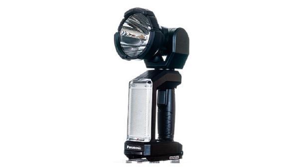 パナソニック、スポット光1500lmの工事用充電LEDスポットワイドライト発売