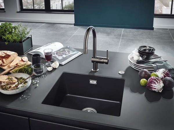 グローエのキッチン水栓「ミンタ」に黒基調のシックな新色