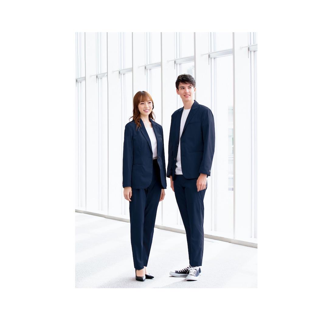 屋外作業に対応するスーツ型仕事服を発売、レディース用も