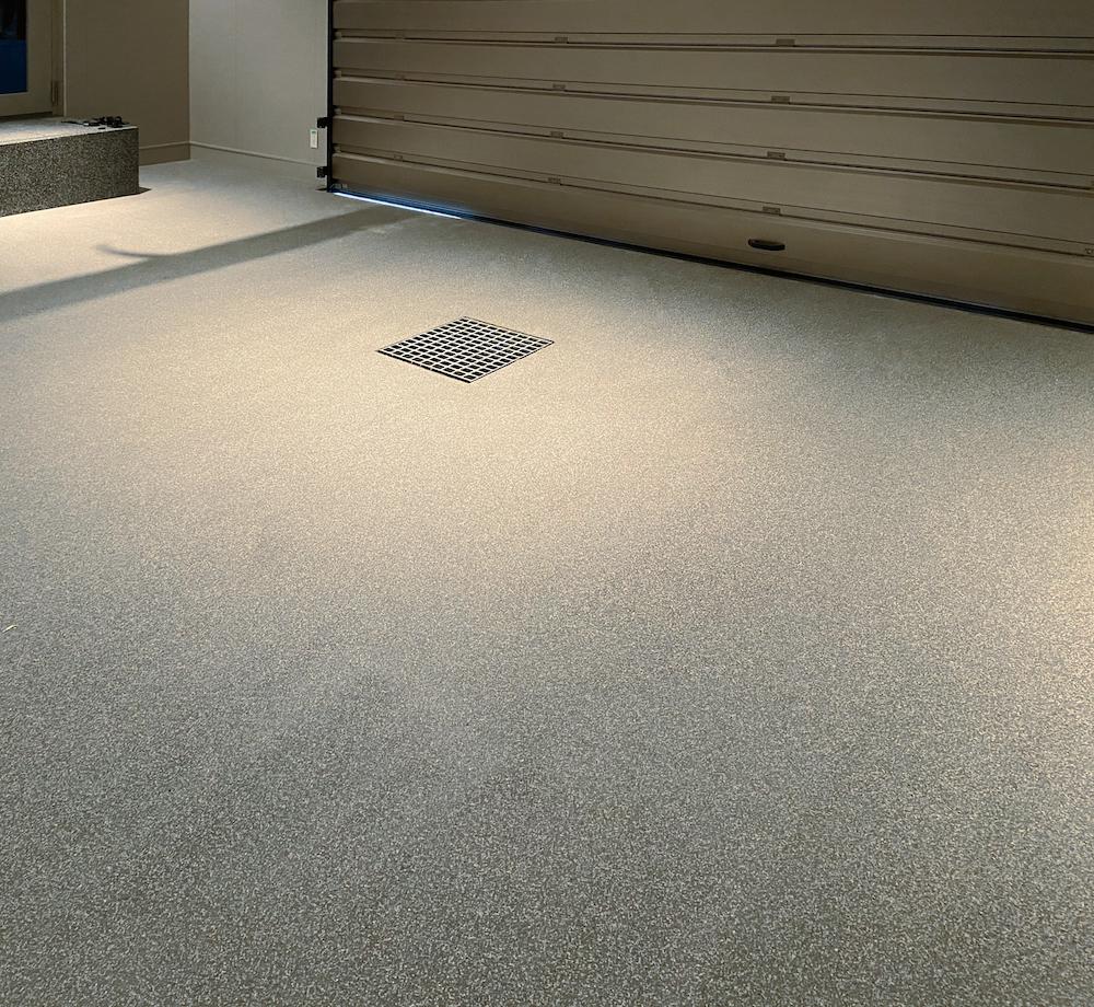 ABC商会、紫外線による黄変防ぐ硬質ウレタン系塗り床材を発売