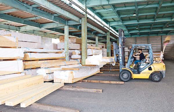 木材高騰、住宅業界が警戒 「ウッドショック」 工期遅れや価格影響懸念