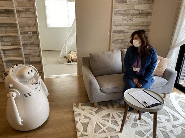 ケイアイスター、「IKI」モデルハウスでロボット接客開始