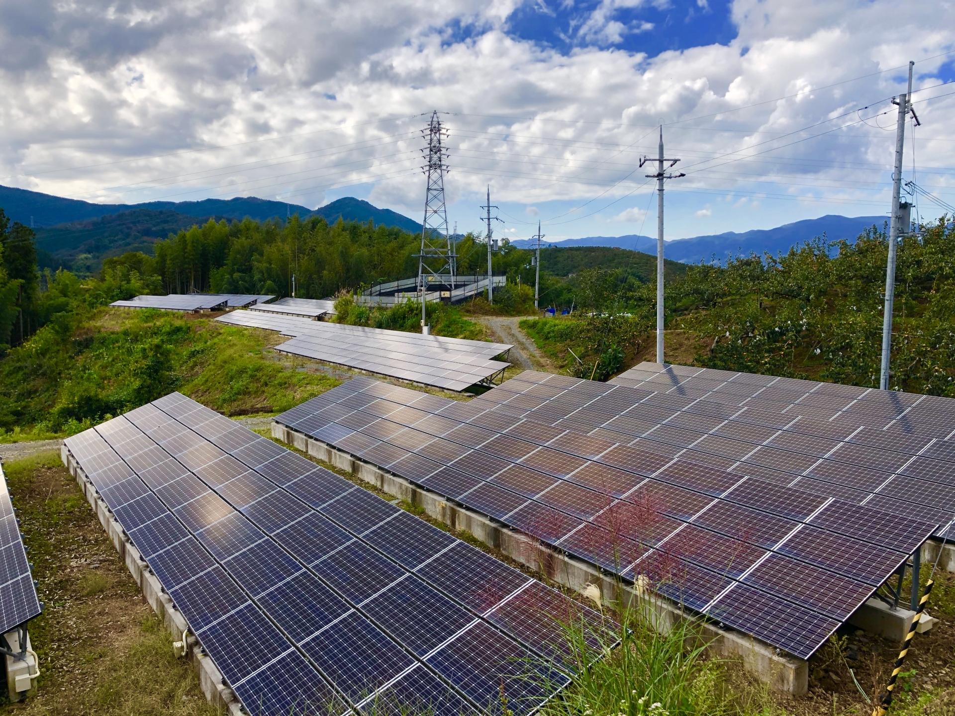 政府目標、2040年に太陽光を公共施設100%導入へ