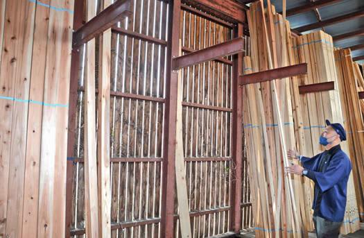 木材高騰マイホーム遠く 新型コロナで品薄に、工期に遅れも