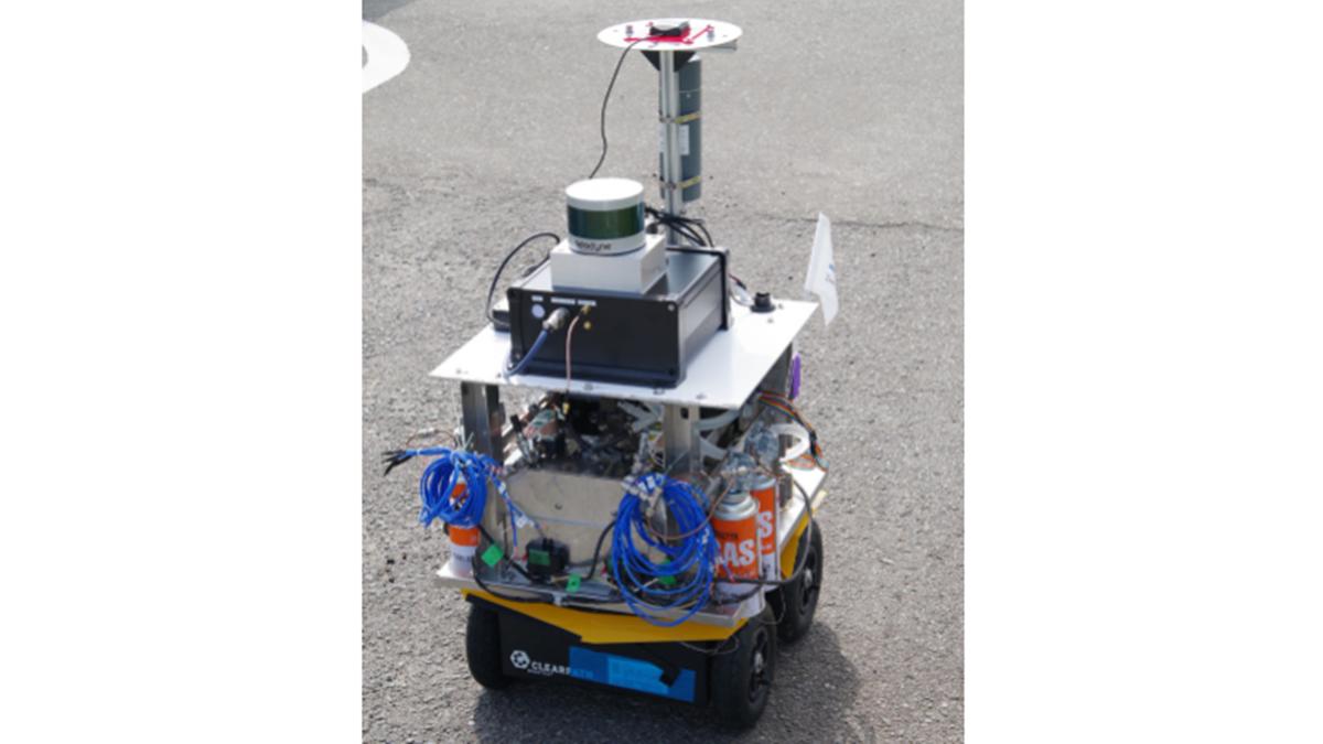 ダイニチ工業、カセットボンベで動く熱電発電の自律ロボ開発
