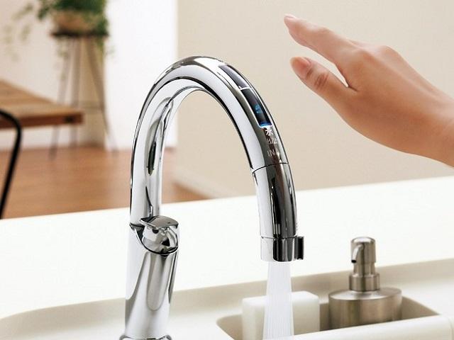 タッチレス水栓「ナビッシュ」が累計販売台数50万台を突破