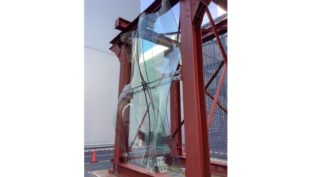 清水建設、曲面のガラスファサード構築する構法開発