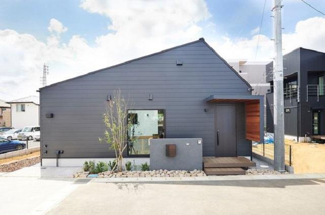 オカムラホーム、太陽光・蓄電池搭載の規格住宅に平屋モデル